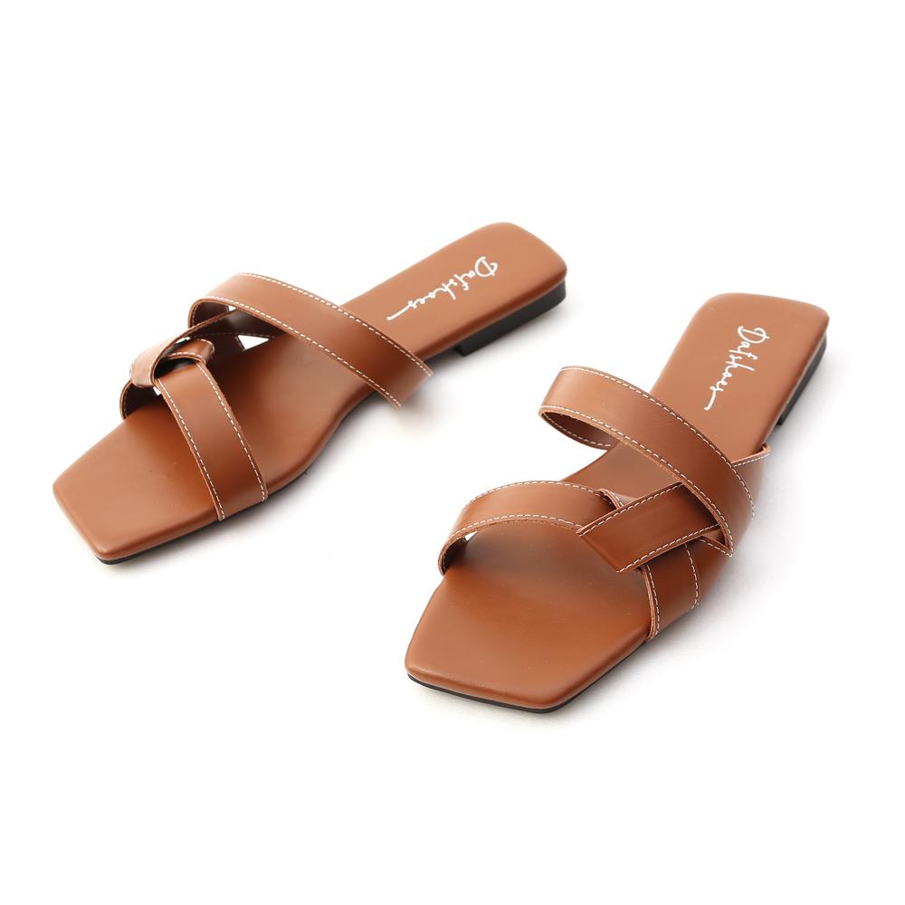 歐美指標.扭結設計方頭平底拖鞋 焦糖棕