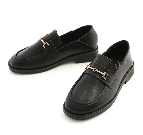 經典率性.馬銜釦圓頭樂福鞋 時尚黑