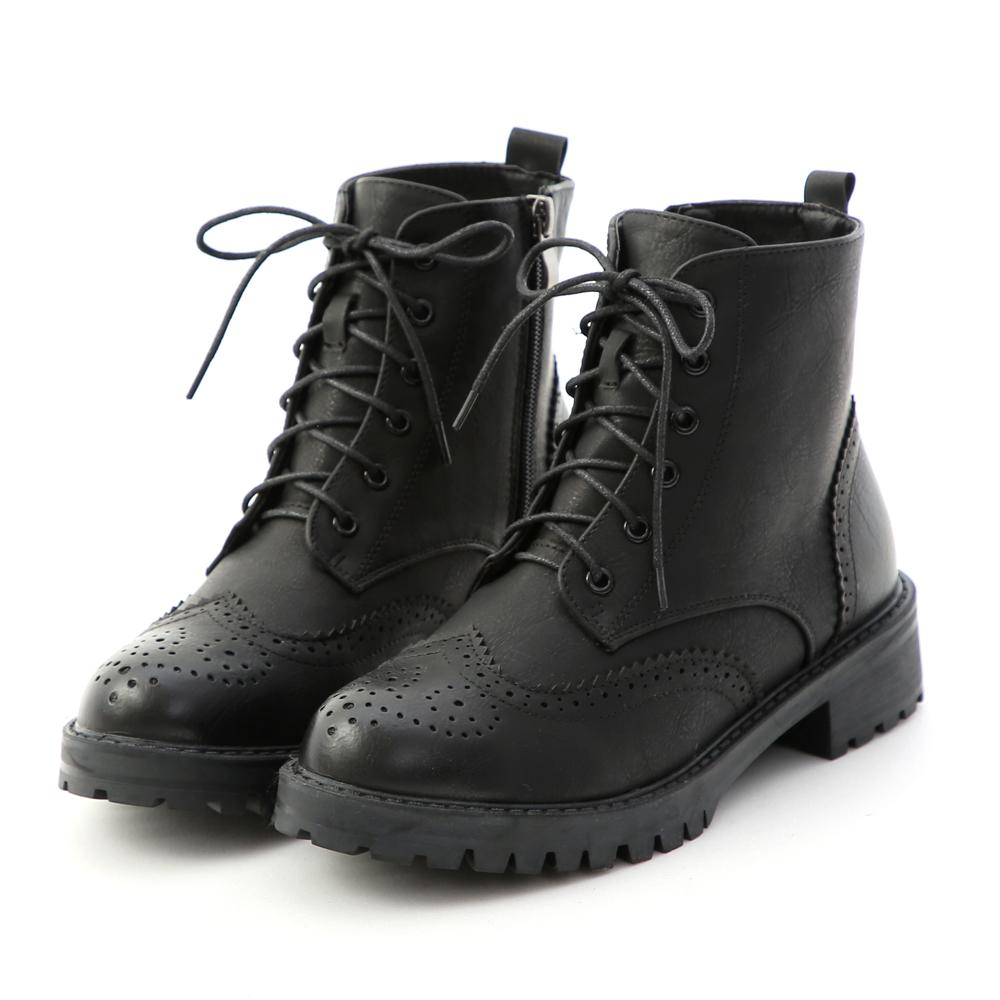 懷舊英倫.漸層刷色雕花綁帶短靴 時尚黑