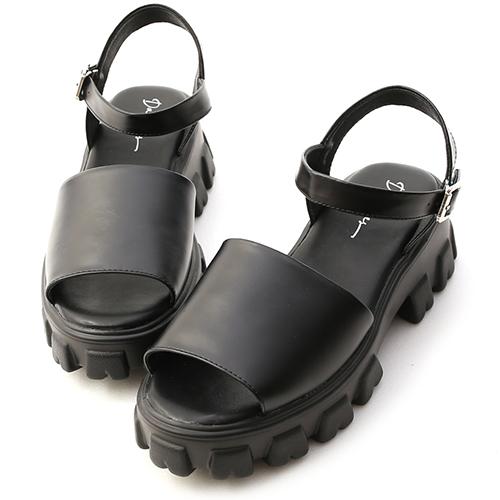 黑色時尚.一字寬版鋸齒底涼鞋