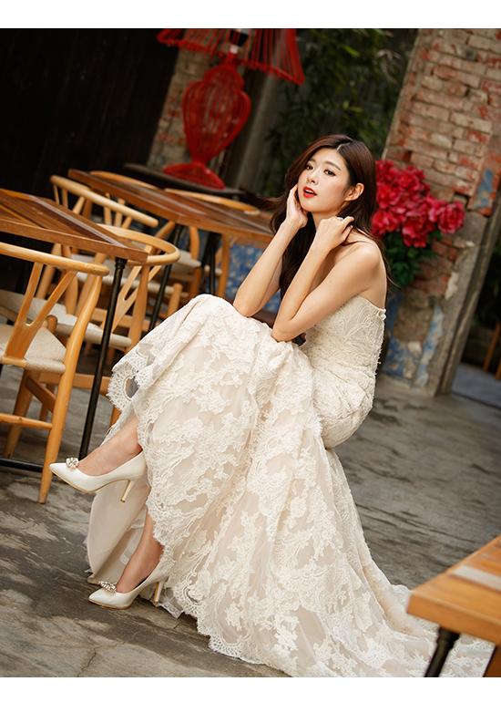 幸福典藏.華麗寶石釦飾美形高跟鞋 珍珠白