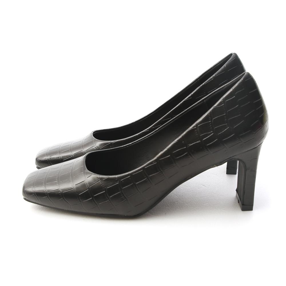 Embossed Faux Leather Flat Heel Pumps Black
