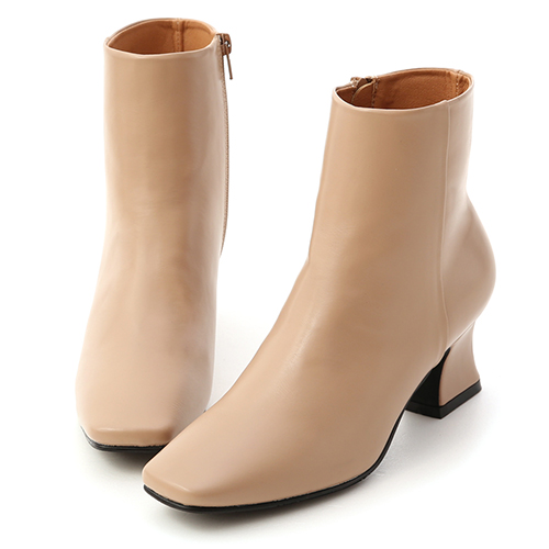 簡約美型.素面剪裁馬蹄跟短靴