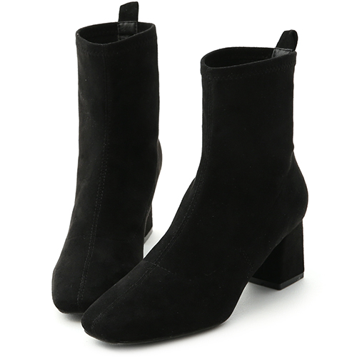 D+AF 人氣焦點.素面絨料合腿中跟襪靴