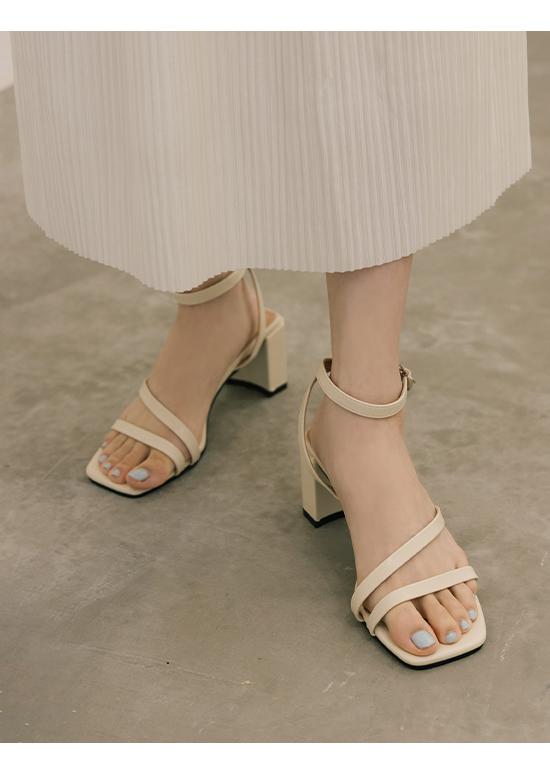名模私著.一字斜帶繫踝高跟涼鞋 香草米