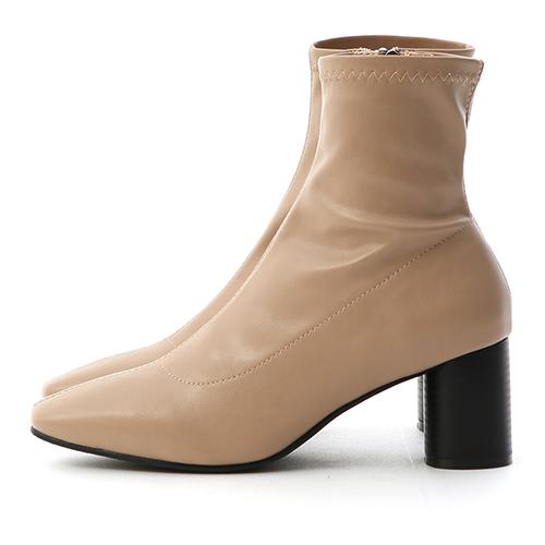 D+AF 秋冬主打.素面中線木紋圓跟襪靴