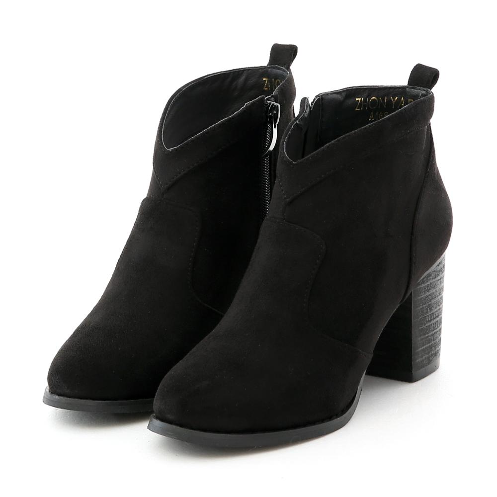 絨料小V口及踝高跟短靴