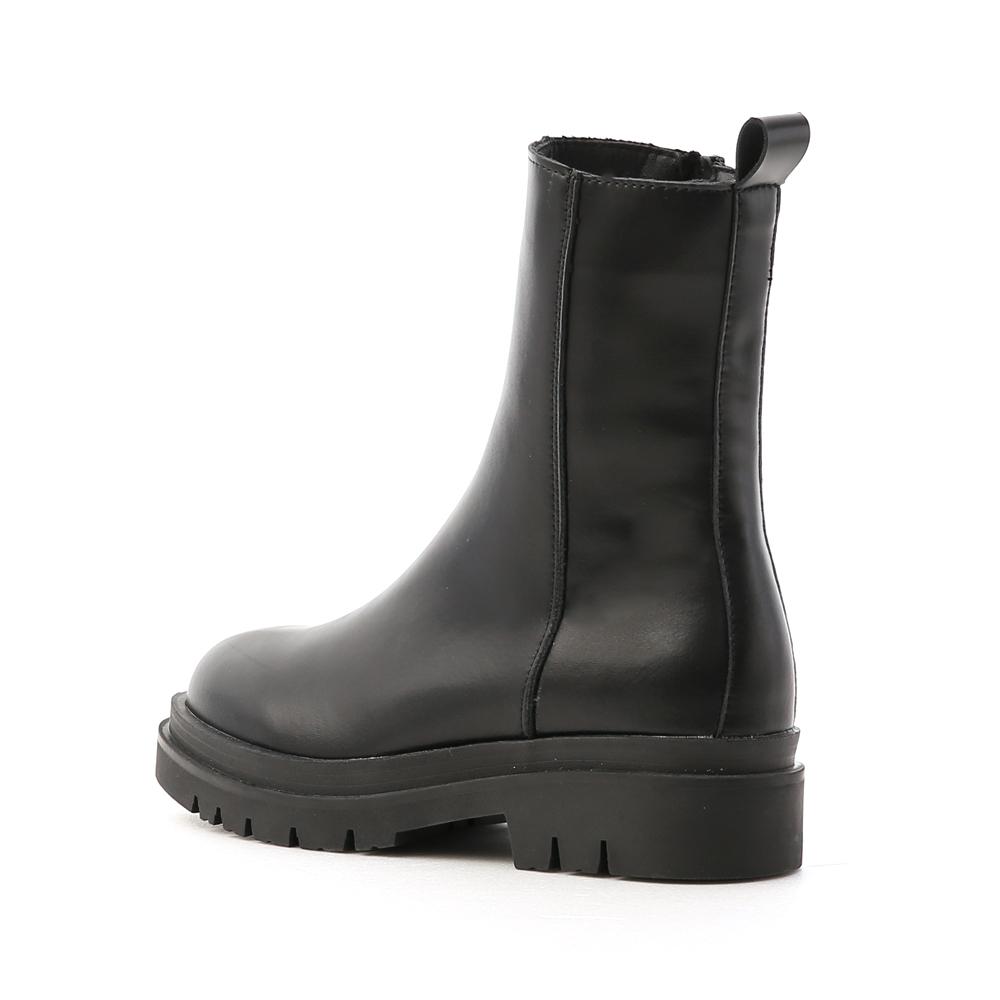 個性主流.鬆糕底側拉鍊素面短靴 時尚黑