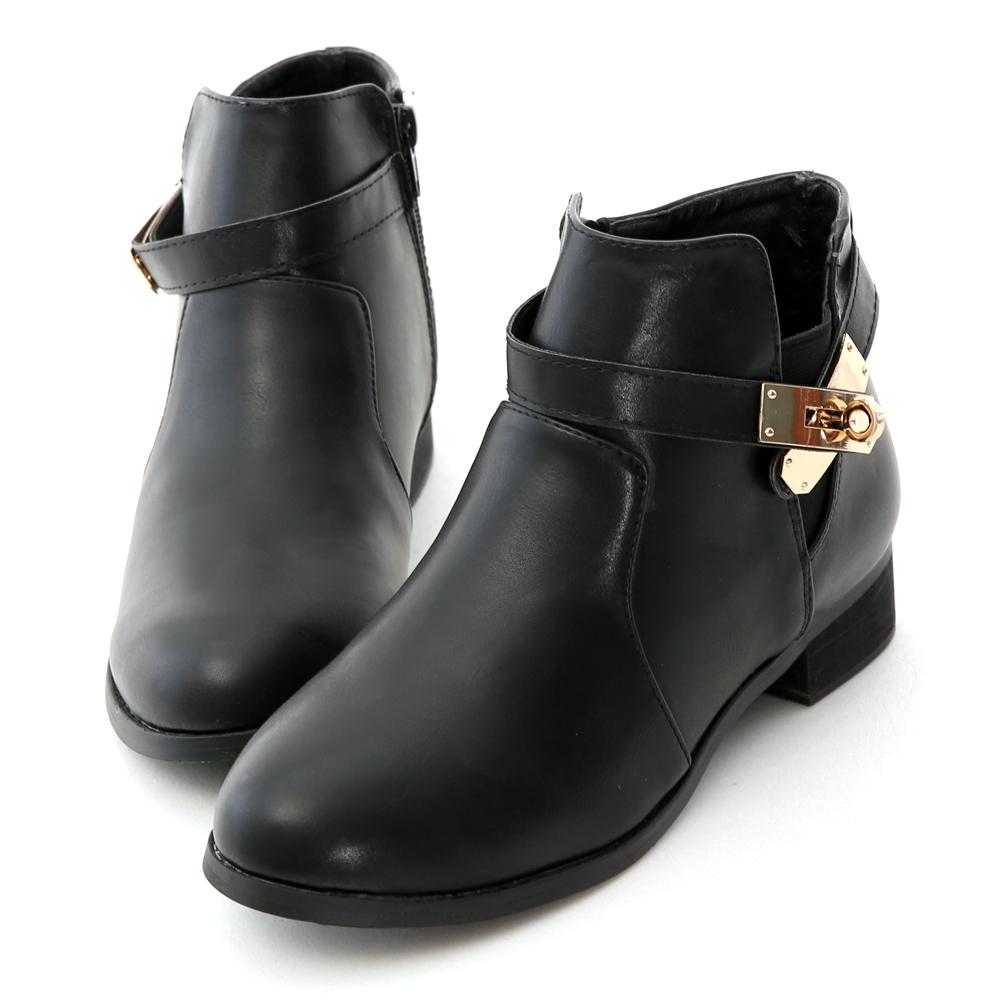 質感金屬鎖釦低跟短靴