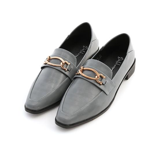 摩登復古.金屬環釦微尖頭樂福鞋 迷霧藍