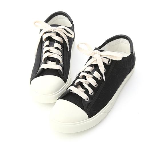 青春年代.異材質拼接帆布休閒鞋 時尚黑