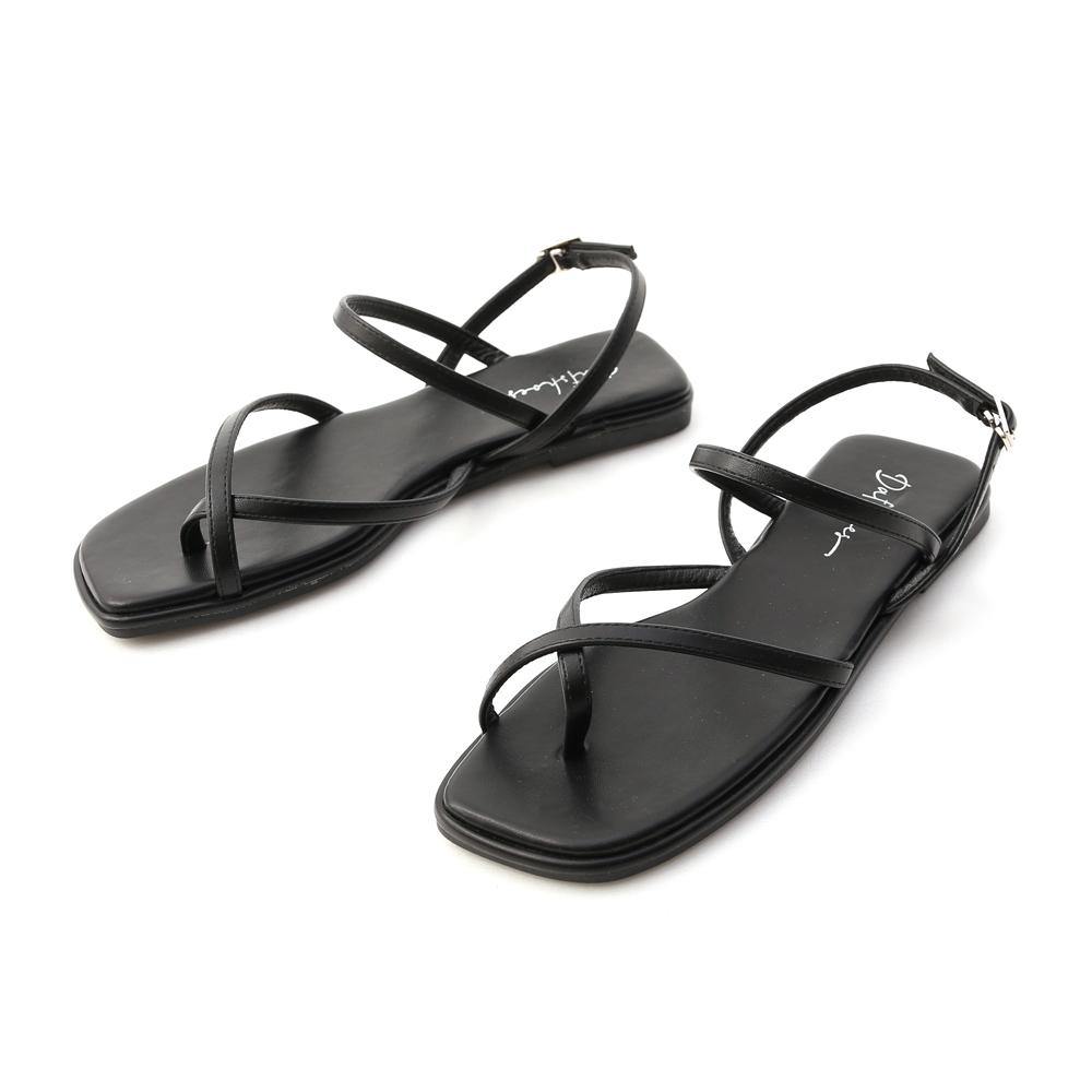 涼夏好感.夾腳細帶平底涼鞋 時尚黑