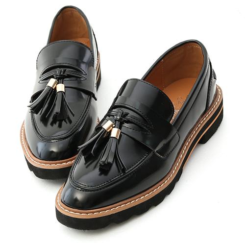 學院氛圍.漆皮流蘇加厚底樂福鞋
