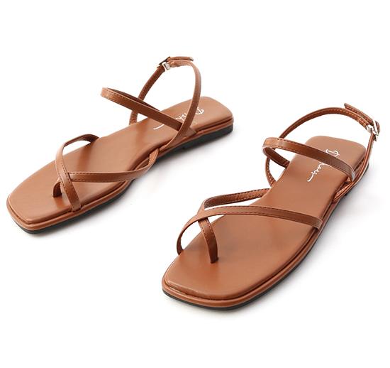 涼夏好感.夾腳細帶平底涼鞋 焦糖棕