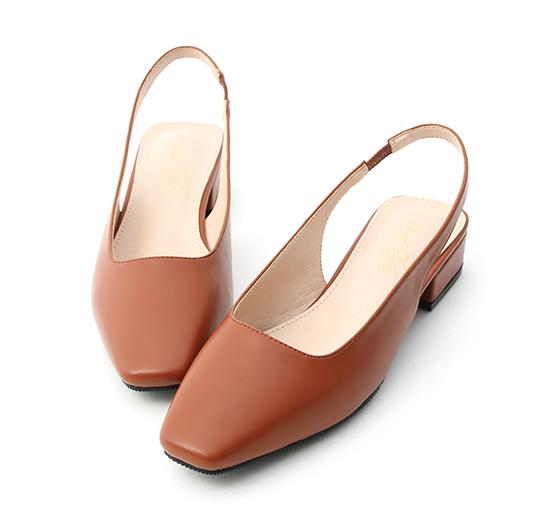 粉彩春氛.素面方頭後空低跟鞋 焦糖棕