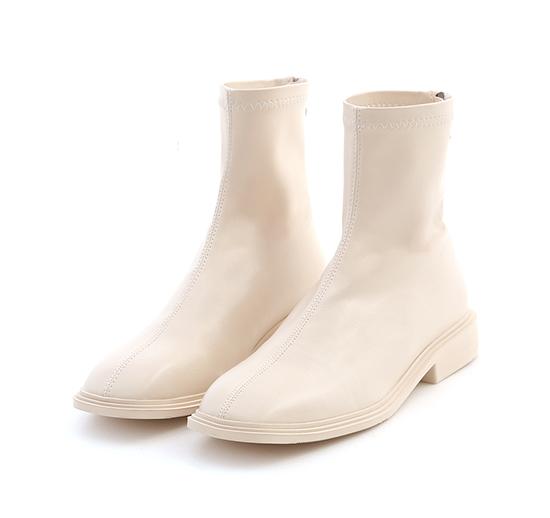 好評分享.中車線方頭低跟襪靴 香草米白