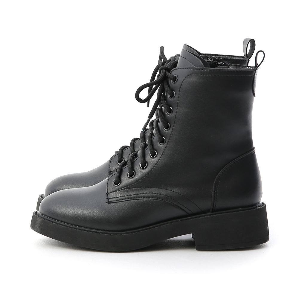 街頭型人.加厚鞋底中筒馬汀靴 時尚黑