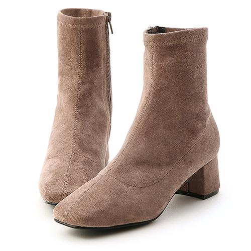 秋冬定番.素面合腿中跟方頭襪靴