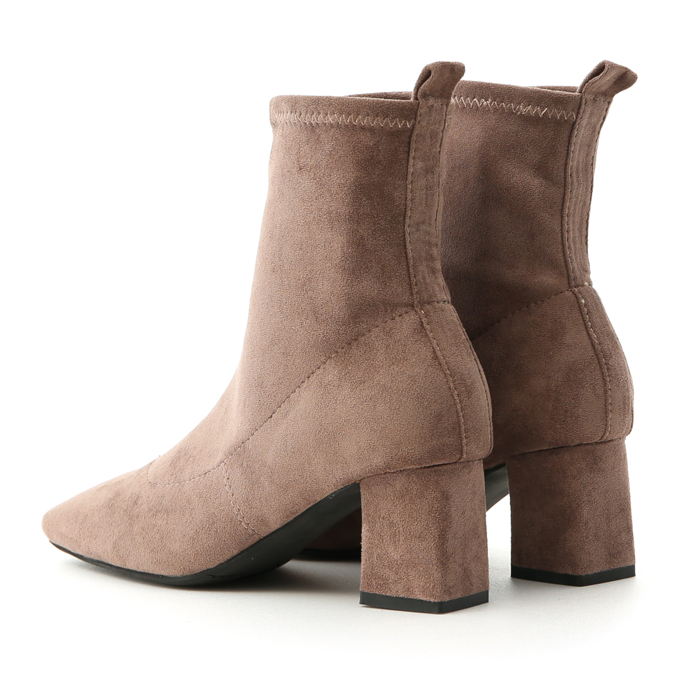 人氣焦點.素面絨料合腿中跟襪靴 奶茶灰棕
