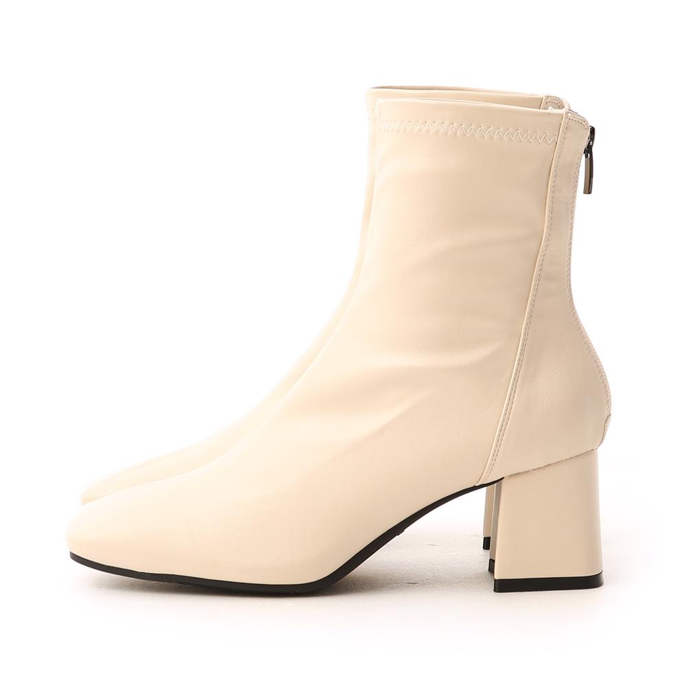 好感話題.素面斜線方頭高跟襪靴 人氣米白