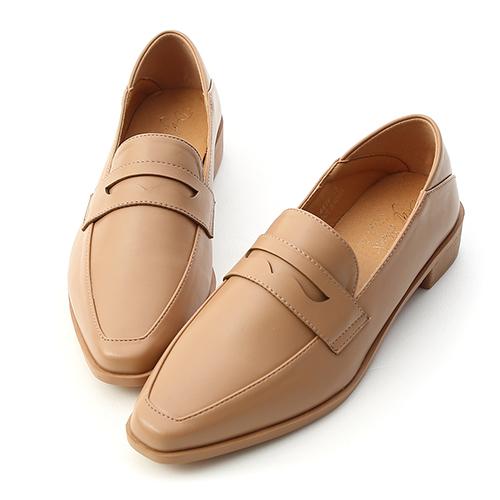 紳士格調.經典款微尖頭樂福鞋