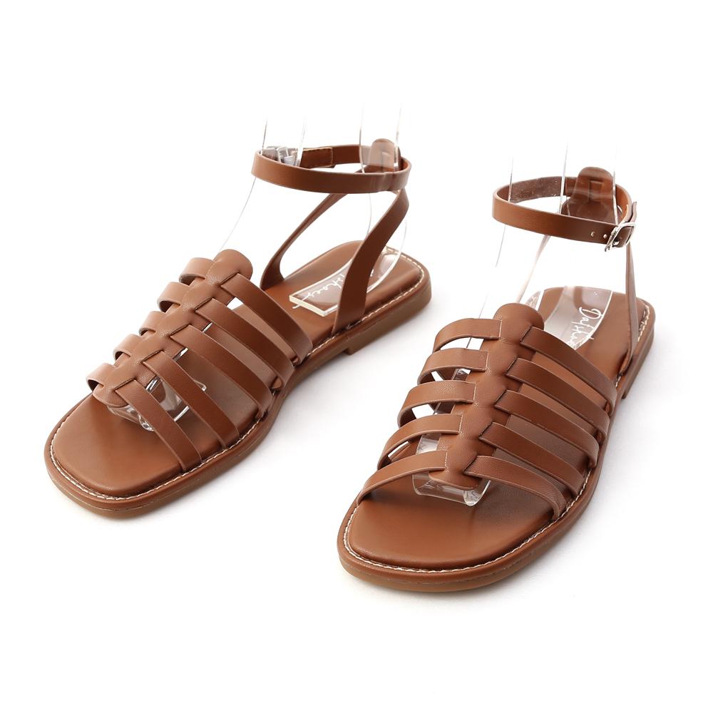 潮流特色.魚骨編織平底羅馬涼鞋 焦糖棕