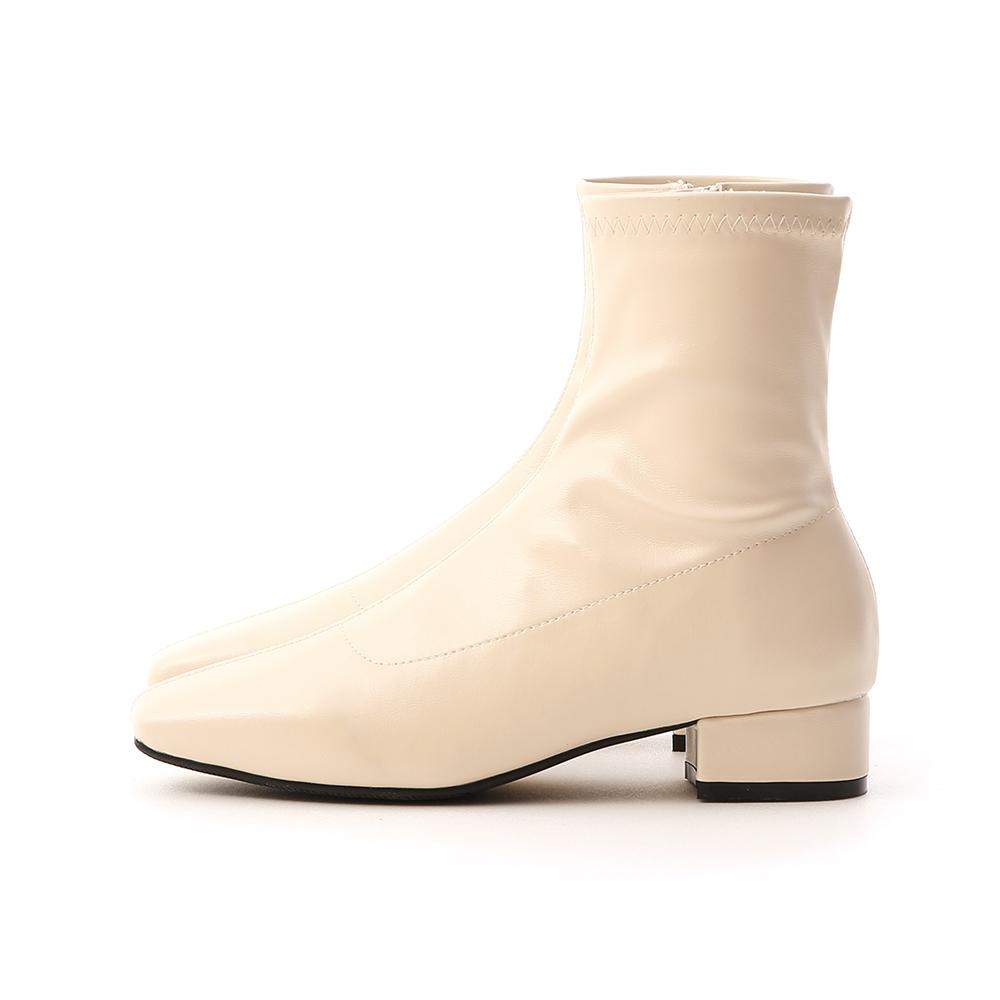 人氣指標.素面車線方頭低跟襪靴 百搭米