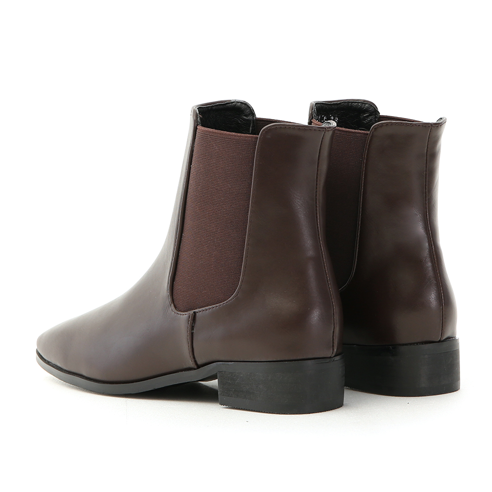 Square Toe Chelsea Boots Brown