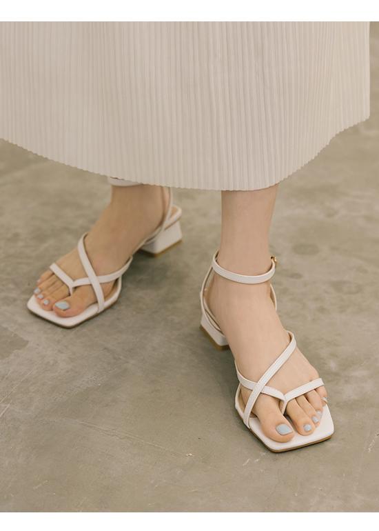 漫漫時光.細帶夾腳方頭低跟涼鞋 ホワイト