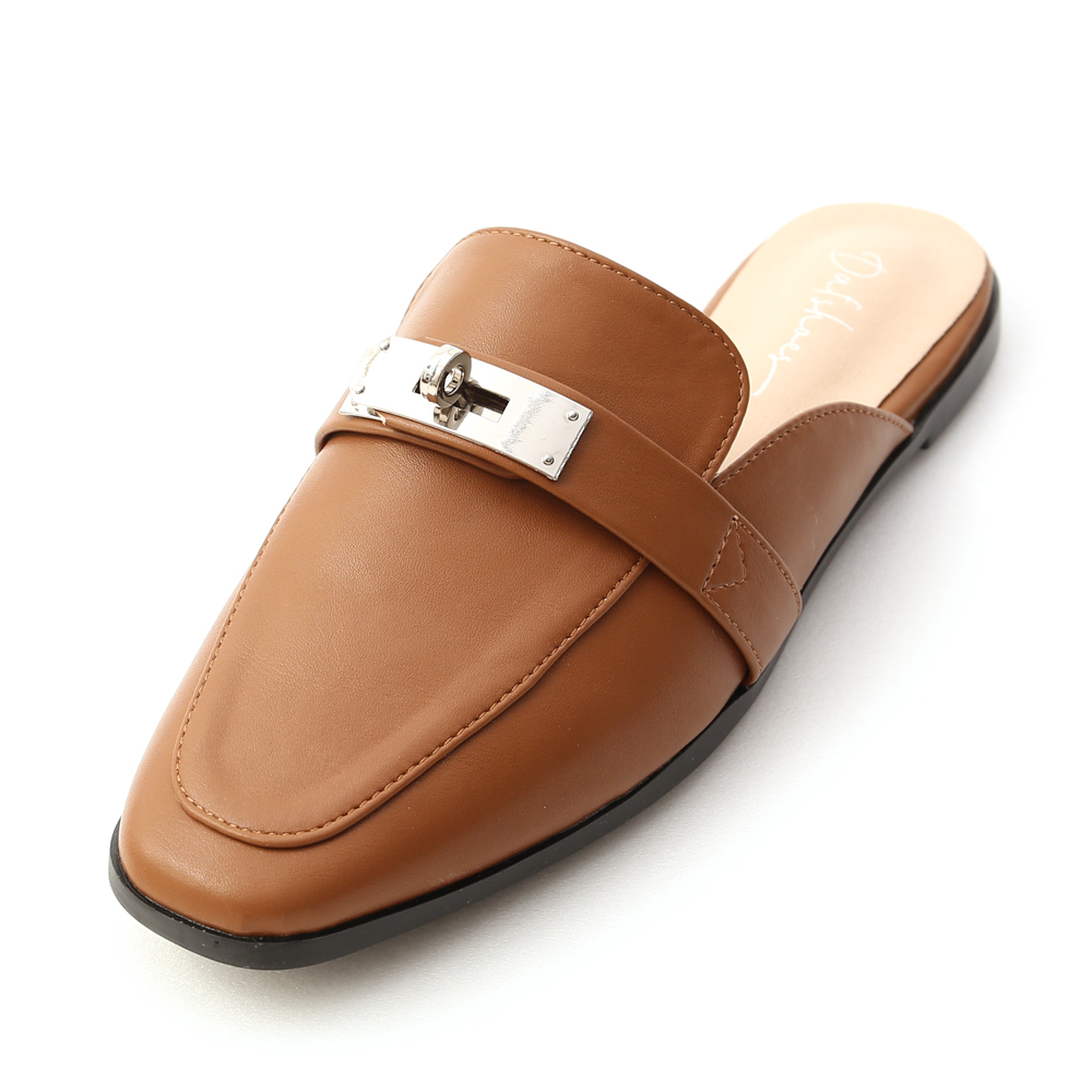 名品精選.金屬鎖釦平底穆勒鞋 焦糖棕
