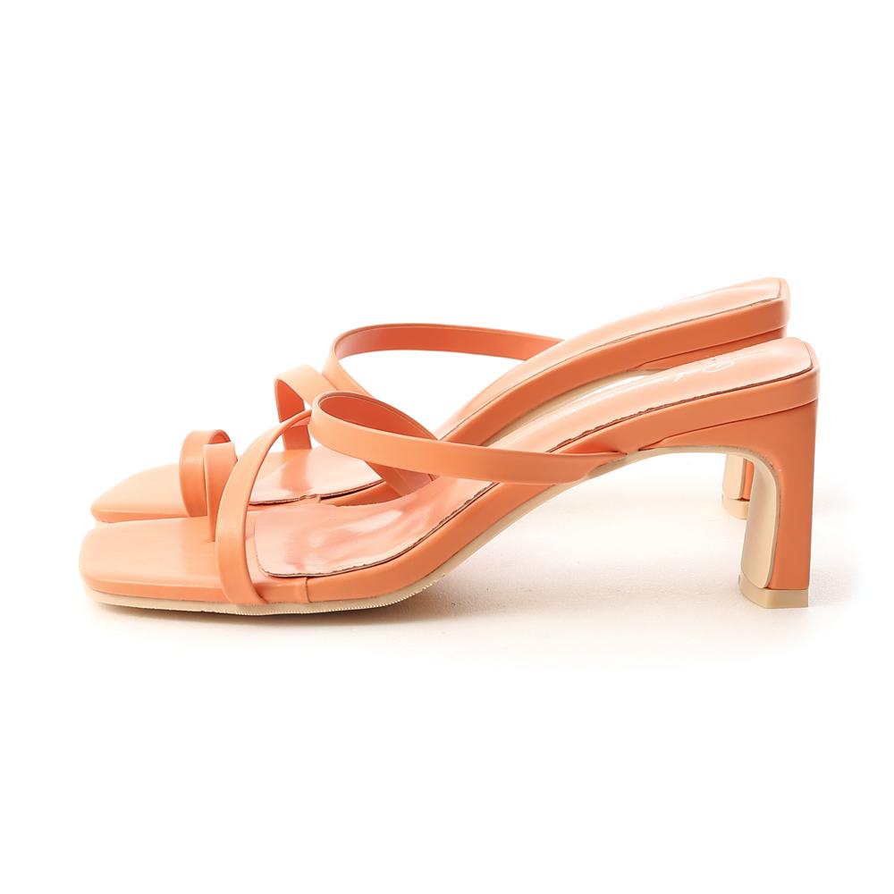 陽光季節.套指斜帶扁跟高跟涼鞋 珊瑚橘