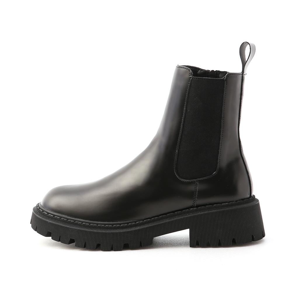 時髦酷感.厚底軍風切爾西短靴 時尚黑