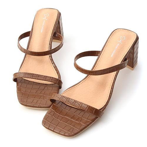 時尚品味.立體壓紋一字高跟涼鞋