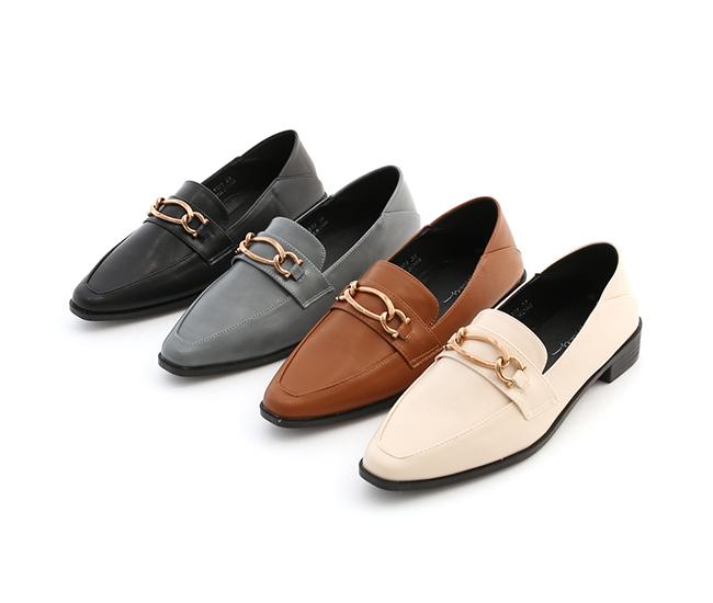 摩登復古.金屬環釦微尖頭樂福鞋 百搭米