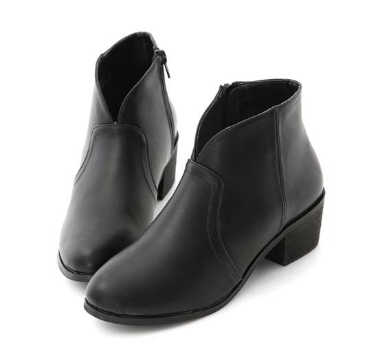 Vカット ショートブーツ ブラック