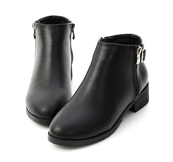 潮流主打.金屬釦環側拉鍊短靴 時尚黑