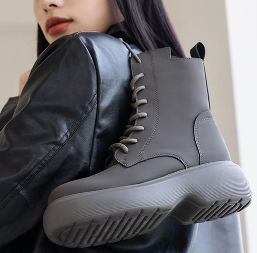 個性女孩x帥氣綁帶靴