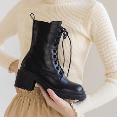 厚底綁帶高跟馬汀短靴 黑靴