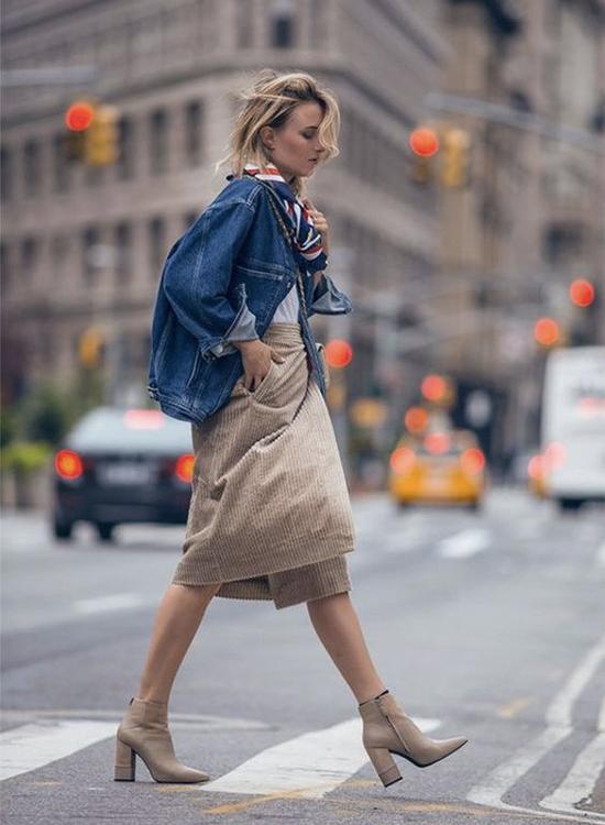 奶茶色 奶茶色穿搭 奶茶色鞋子 短靴女 短靴穿搭 牛仔外套