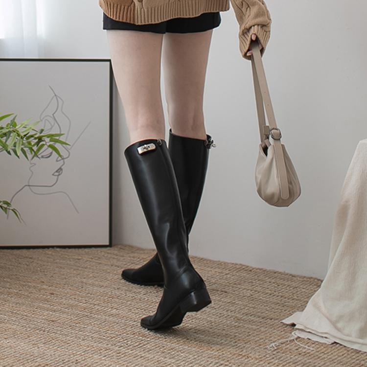 膝下靴 鎖扣膝下靴 長靴 秋冬靴 黑色靴 皮革靴 膝下靴穿搭