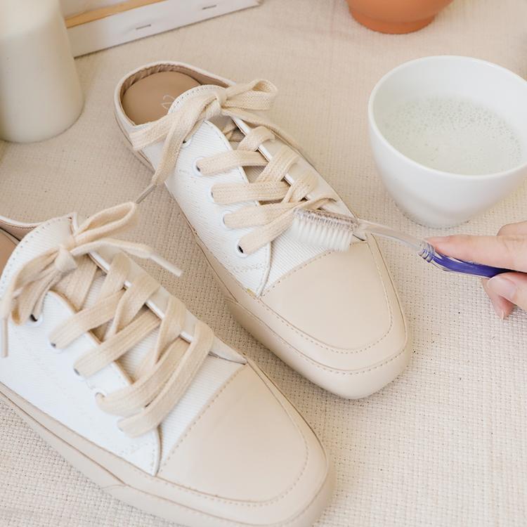 小白鞋洗滌實用教學 起泡的肥皂水清鞋子
