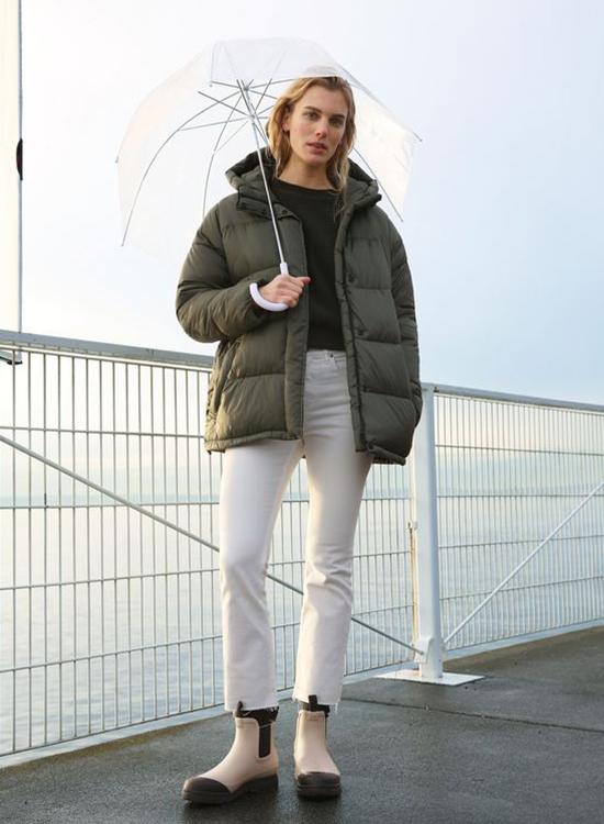 雨鞋 雨靴 雨靴穿搭 雨靴推薦 短筒雨靴 雨靴女 卻爾西靴款防水雨靴