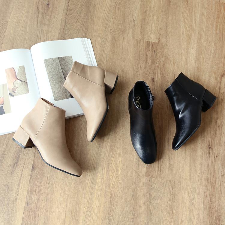 極簡素面方頭低跟短靴 短靴 奶茶靴