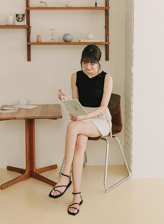 愛莉莎莎聯名鞋款 不對稱平底涼鞋01