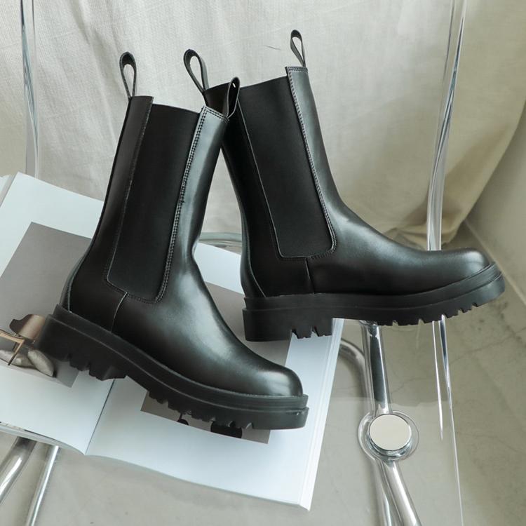D+AF中筒靴穿搭 切爾西中筒靴 經典不退流行