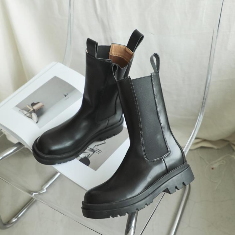 加厚鞋底切爾西中筒靴 中性風單品