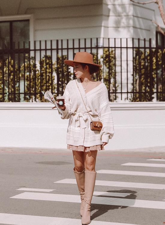 @irischen_style穿搭 素面高跟長靴穿搭 奶茶杏色長靴穿搭