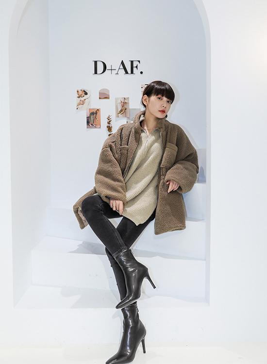 D+AF素面顯瘦感高跟襪靴 襪靴穿搭 正方形 敦南門市 鄭婕彤 square