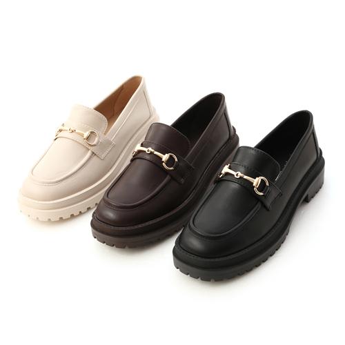 舒適好穿鞋推薦鬆 糕底馬銜釦樂福鞋 米白色 咖啡色 黑色