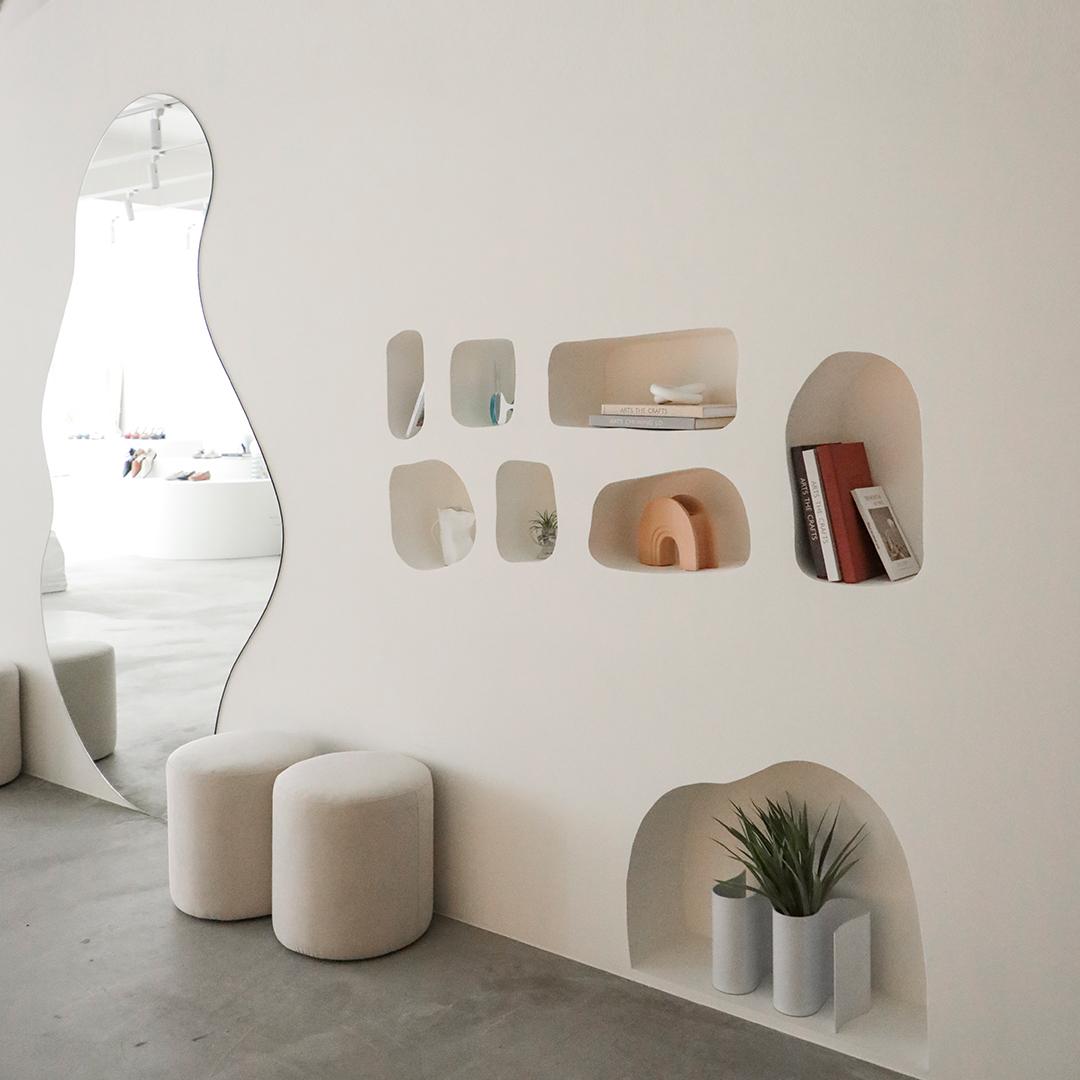 D+AF南西旗艦店 女鞋門市 北歐風白色基調 打造寬暢購物空間
